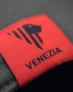 Dark grey baseball cap red stylised lion Venezia logotype venezia detail